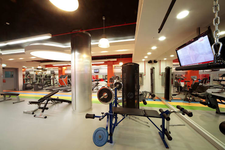 TARKAN OKTAY MİMARLIK – PHILIP MORRIS SABANCI GYM CENTER: minimal tarz tarz Fitness Odası