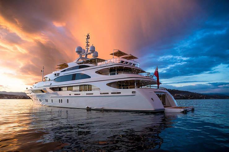 The Galaxy Yacht:  Yachts & jets by ShellShock Designs