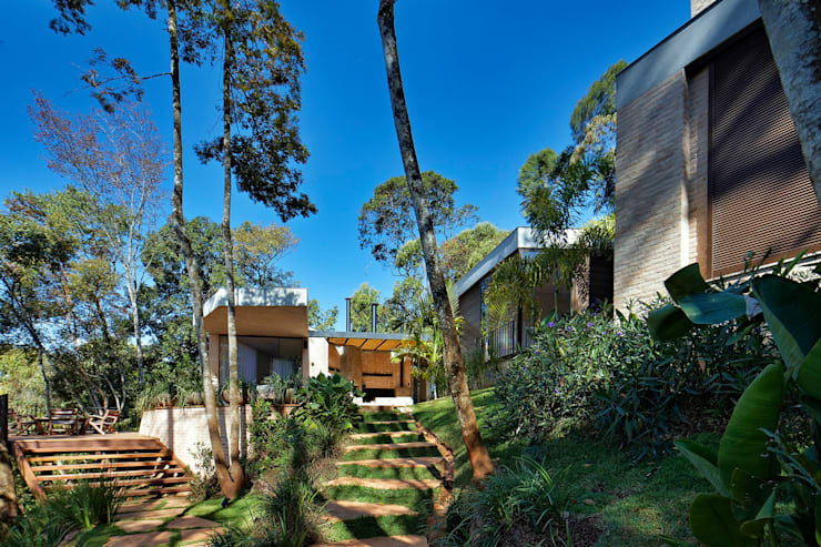 Casa MR: Jardins  por Humberto Hermeto