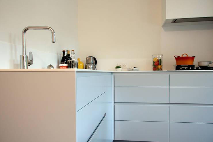 Kitchen Oosterpark, Amsterdam:  Keuken door Hamers Meubel & Interieur