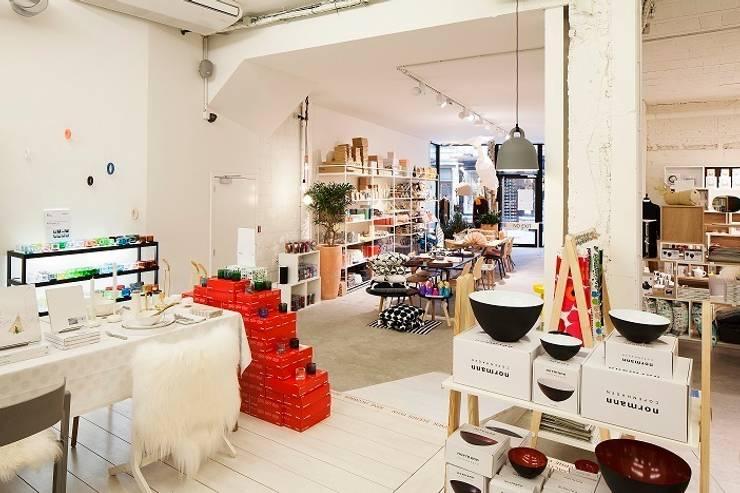 Moose in the City  –  Antwerpen :  Winkelruimten door PUUR interieurarchitecten,
