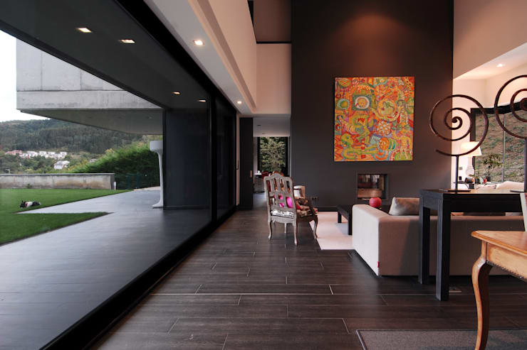 Salon: Casas de estilo  de DECONS  GKAO S.L.