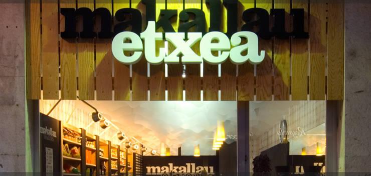 Tienda Makallau etxea..: Espacios comerciales de estilo  de Estudio TYL