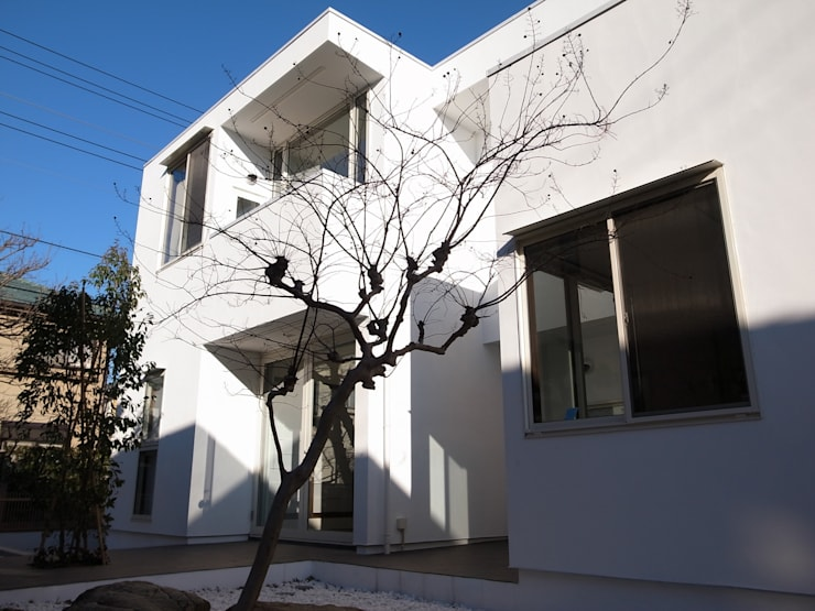 Houses by 大島功市建築研究所 一級建築士事務所, Mediterranean