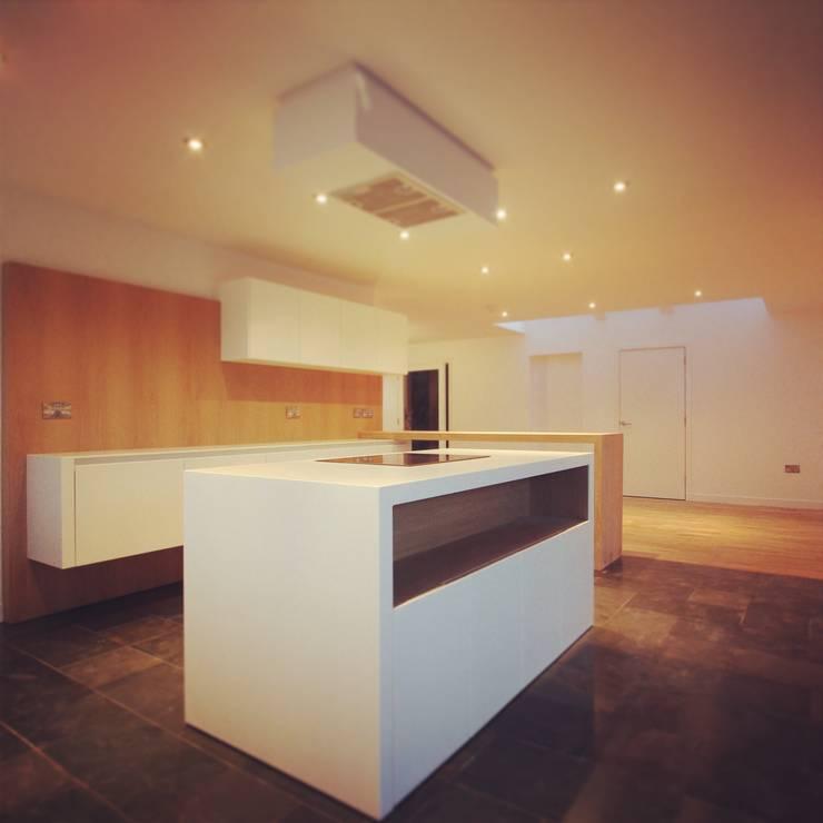 Kitchen:  Kitchen by A449 LTD