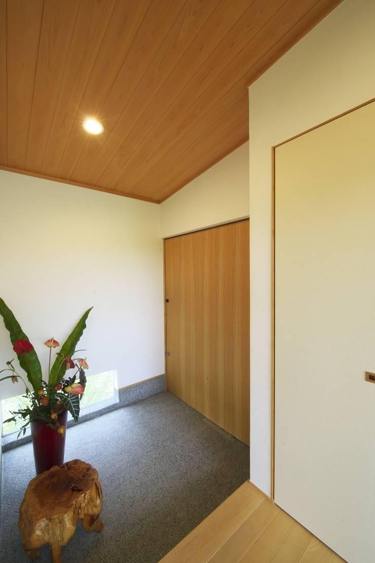 社宮司の家: 五藤久佳デザインオフィス有限会社が手掛けた窓です。