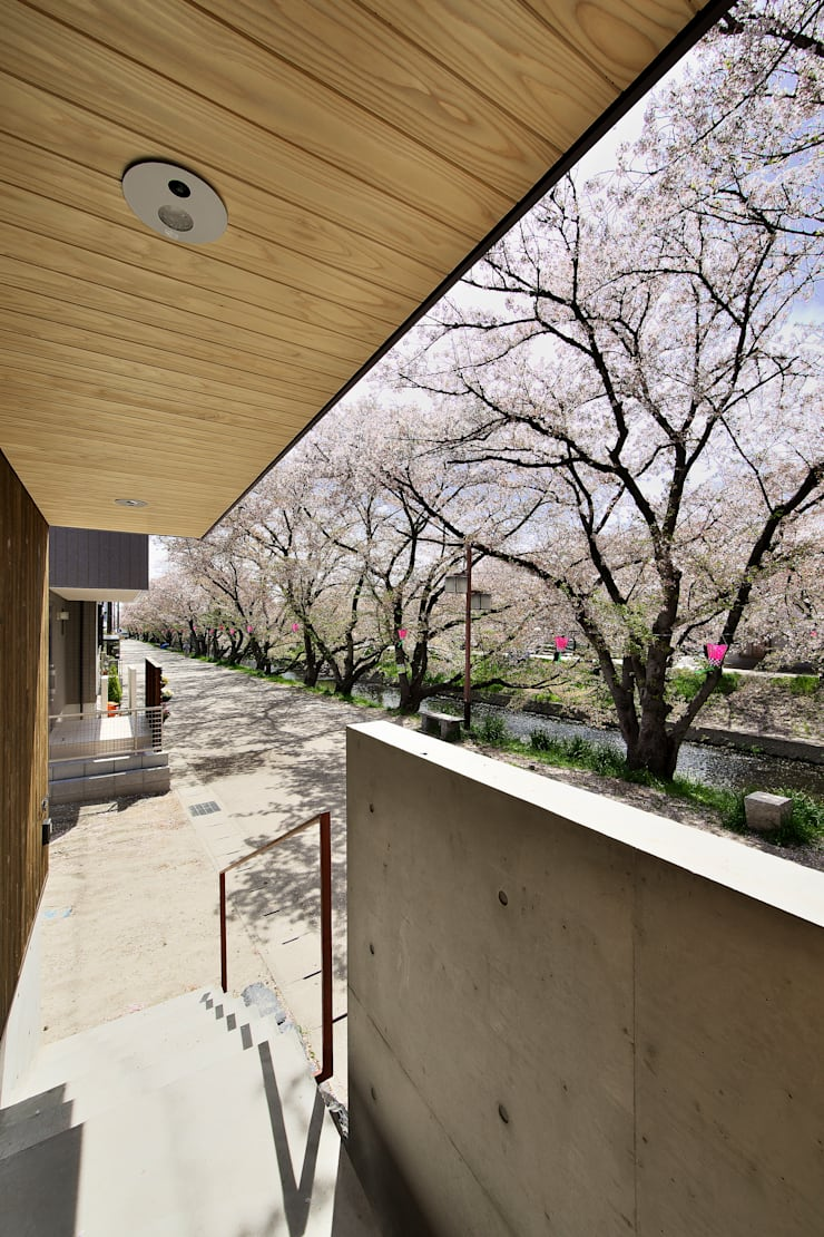 桜並木の家: 五藤久佳デザインオフィス有限会社が手掛けた家です。