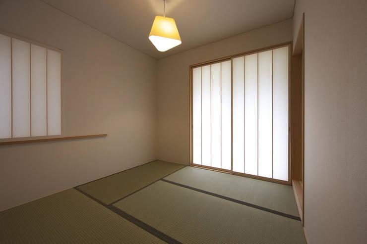 尾張旭の家: 五藤久佳デザインオフィス有限会社が手掛けた寝室です。