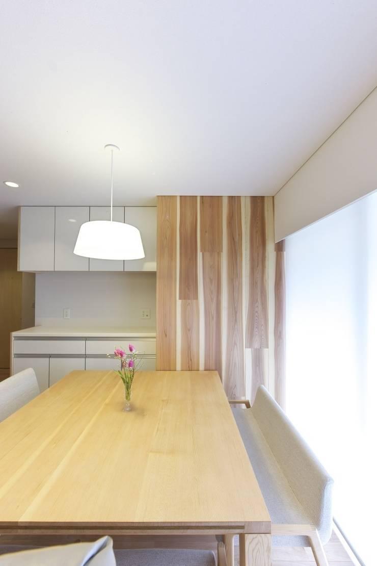 尾張旭の家: 五藤久佳デザインオフィス有限会社が手掛けたダイニングです。