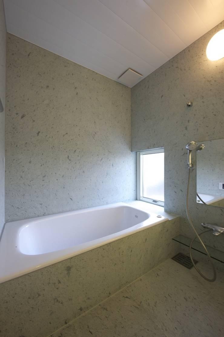 南濃の家: 五藤久佳デザインオフィス有限会社が手掛けた浴室です。