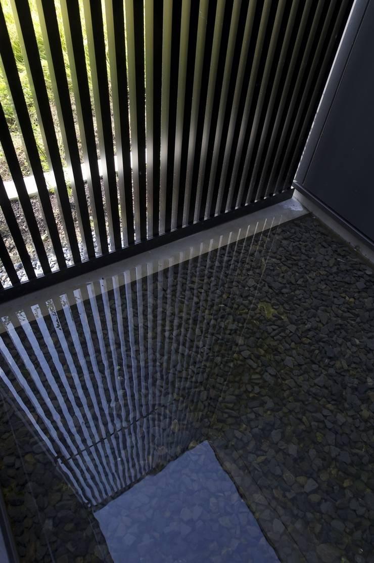 安八の家: 五藤久佳デザインオフィス有限会社が手掛けた庭です。
