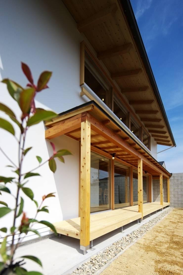 扶桑の家: 五藤久佳デザインオフィス有限会社が手掛けた家です。
