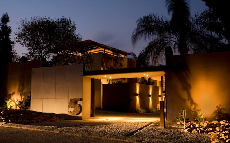 House Brian :  Houses by Nico Van Der Meulen Architects