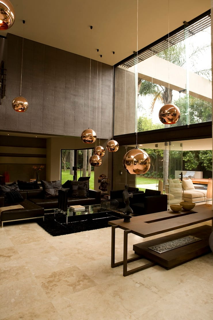 House Brian :  Living room by Nico Van Der Meulen Architects