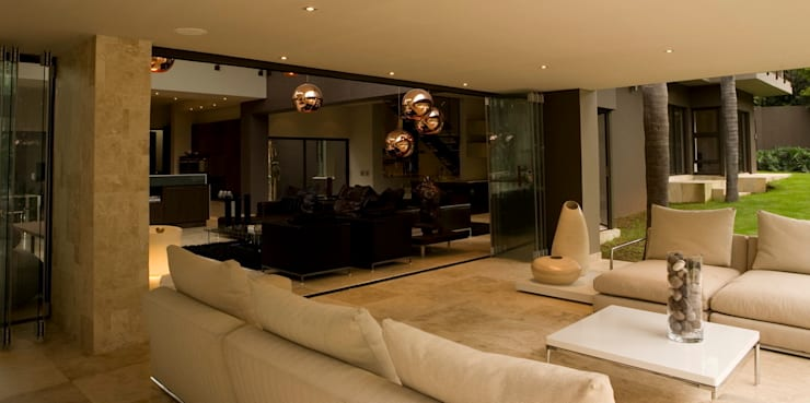 House Brian :  Terrace by Nico Van Der Meulen Architects