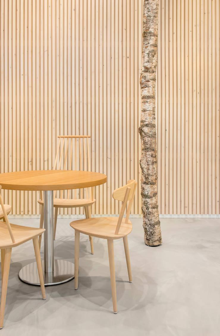 natuurlijke materialen:  Kantoorgebouwen door CUBE architecten
