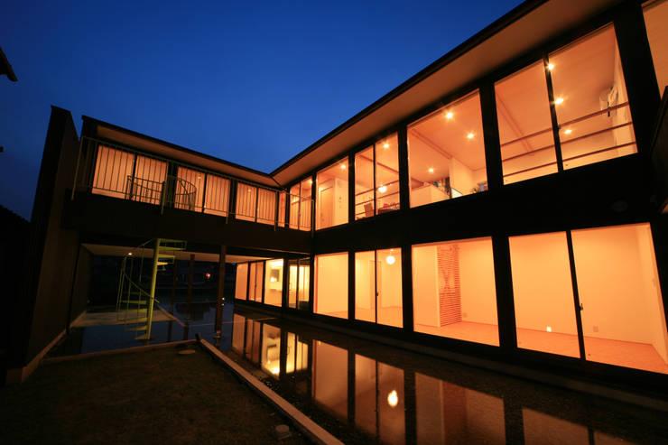 寺東の家: 五藤久佳デザインオフィス有限会社が手掛けた家です。