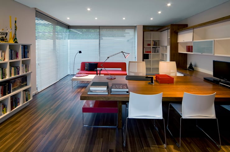 House Mosi :  Study/office by Nico Van Der Meulen Architects