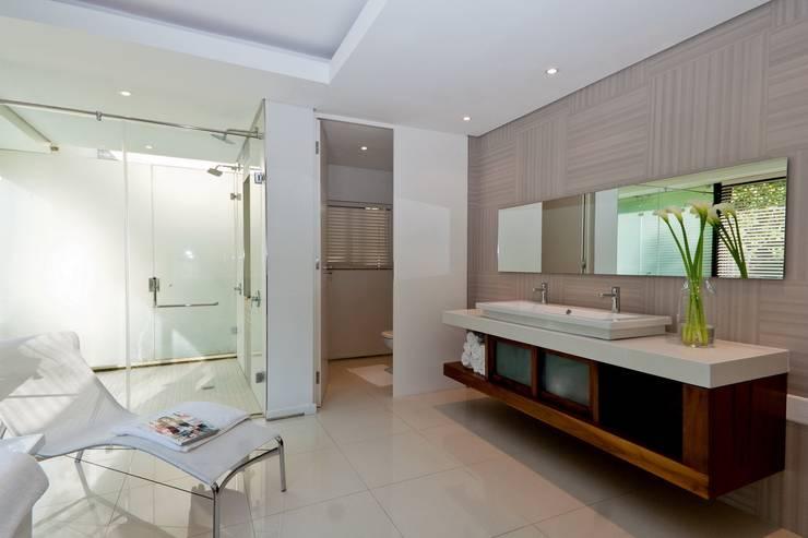 Nico Van Der Meulen Architects 의  욕실