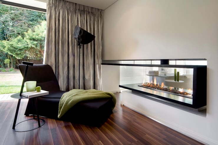modern Bedroom by Nico Van Der Meulen Architects