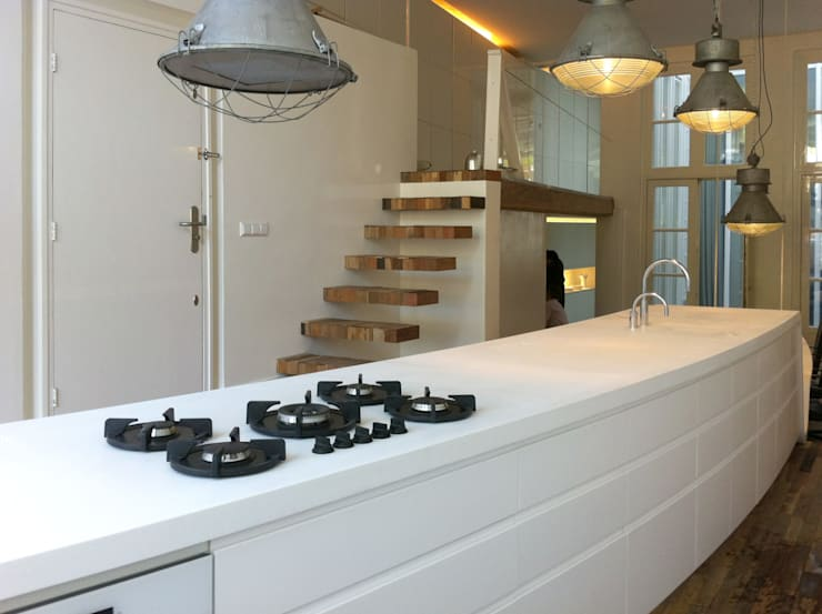 Кухни в . Автор – CUBE architecten, Модерн