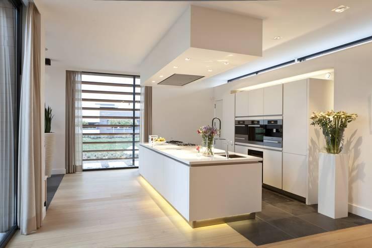 Woning K Breda:  Keuken door BB architecten