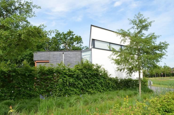 Woning S Roosendaal:  Huizen door BB architecten