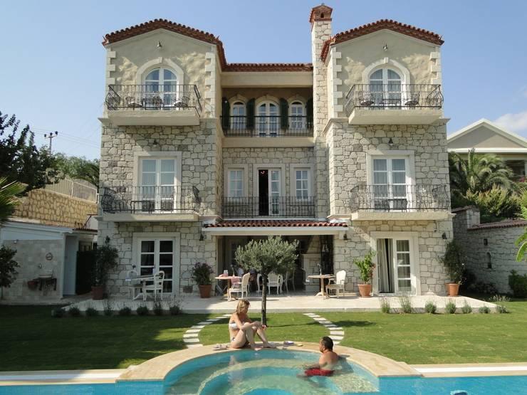 Tuncer Sezgin İç Mimarlık – Yu-Ga Otel-Alaçatı İZMİR:  tarz Oteller, Akdeniz