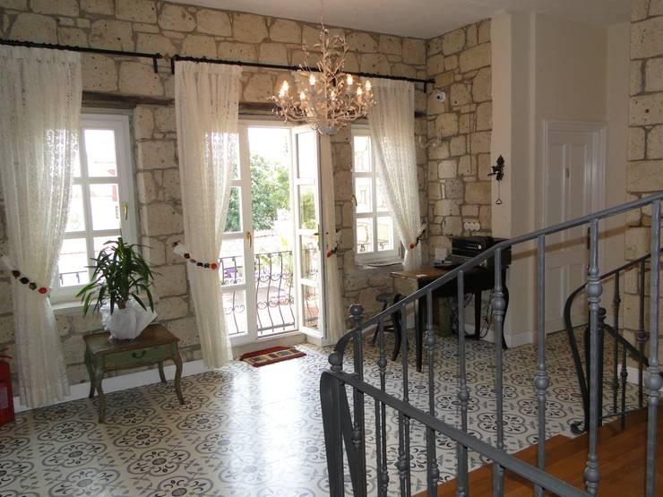 Tuncer Sezgin İç Mimarlık – Yu-Ga Otel Giriş:  tarz , Akdeniz