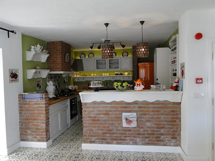Tuncer Sezgin İç Mimarlık – Yu-Ga Otel Mutfak:  tarz , Akdeniz