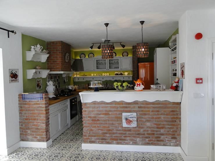 Tuncer Sezgin İç Mimarlık – Yu-Ga Otel Mutfak:  tarz Mutfak