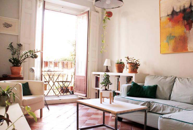 Salas / recibidores de estilo  por CARLA GARCÍA