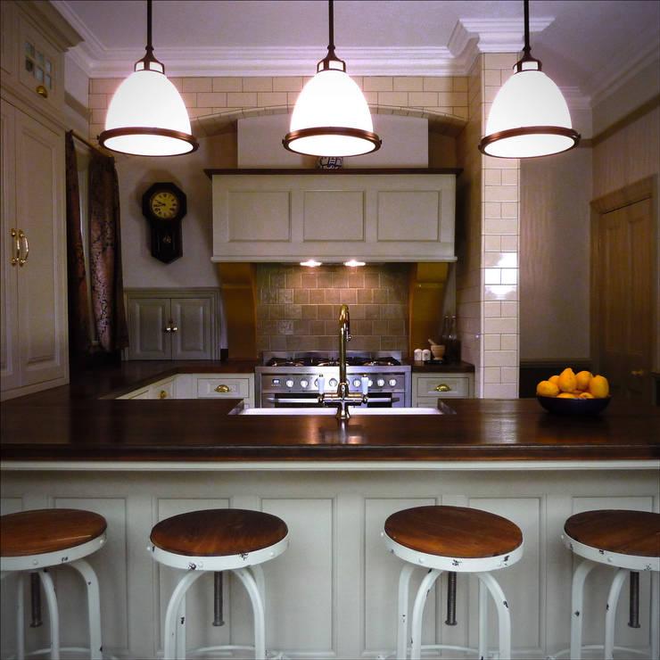 Victorian kitchen:  Kitchen by The Victorian Emporium