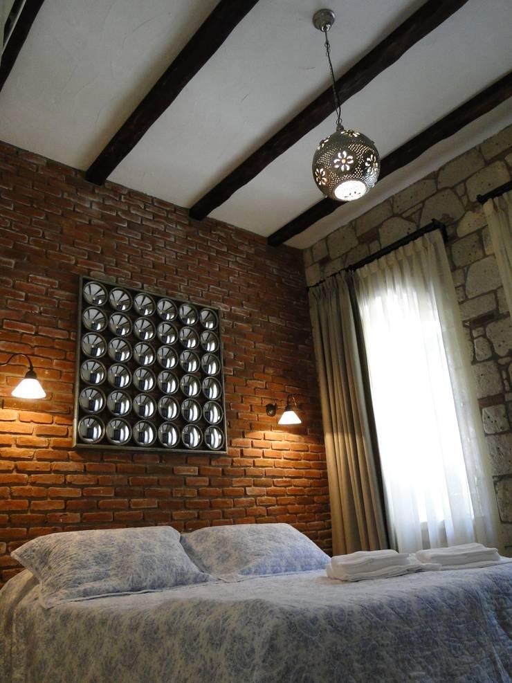 Tuncer Sezgin İç Mimarlık – Yu-Ga Otel:  tarz , Akdeniz