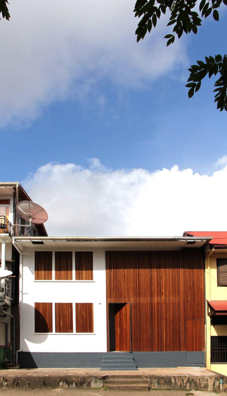 7BIS – Réhabilitation d'une maison individuelle: Maisons de style  par ARA Architecture Aménagement