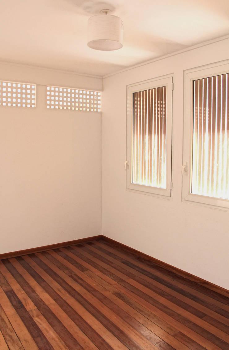 7BIS – Réhabilitation d'une maison individuelle: Chambre de style  par ARA Architecture Aménagement