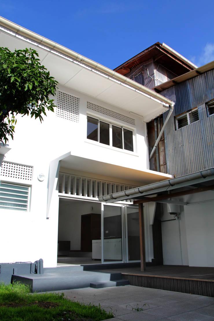 7BIS – Réhabilitation d'une maison individuelle: Jardin de style  par ARA Architecture Aménagement