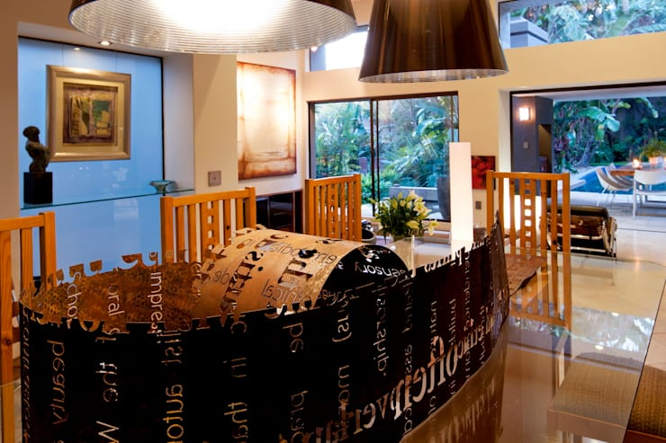 House Fern :  Dining room by Nico Van Der Meulen Architects