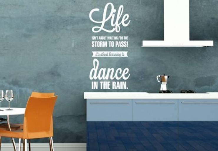 Sticker Mural - Life isn't about...: Maison de style  par wall-art.fr
