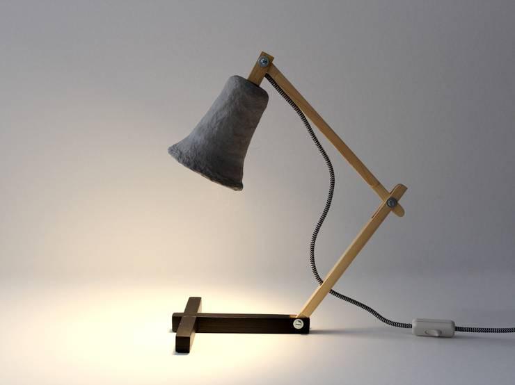 Metamorfozis black: styl , w kategorii Salon zaprojektowany przez Crea-re Studio