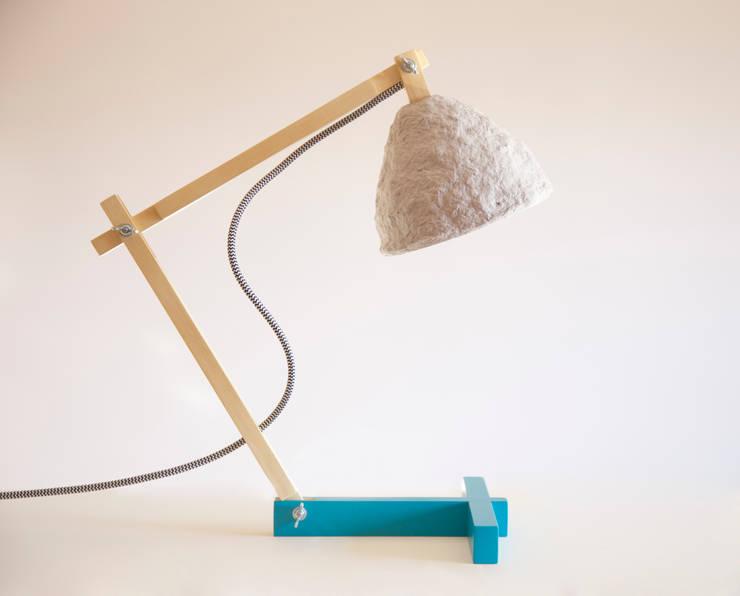 Metamorfozis blue: styl , w kategorii Salon zaprojektowany przez Crea-re Studio