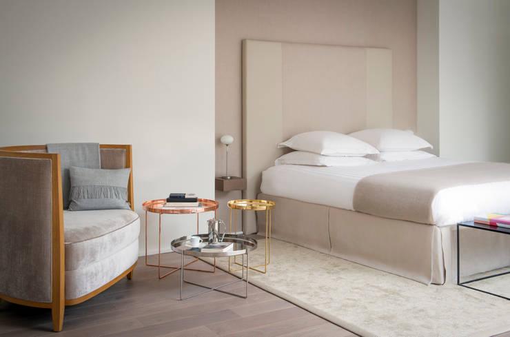 Esprit Sagan - Paris - Studio Putman - 2013: Chambre de style  par Studio Putman