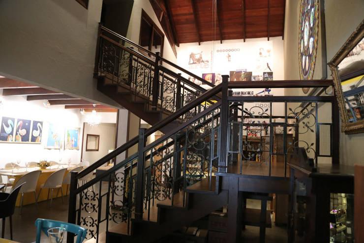 Bistrô Santa Mistura: Espaços de restauração  por Cecyn Arquitetura + Design