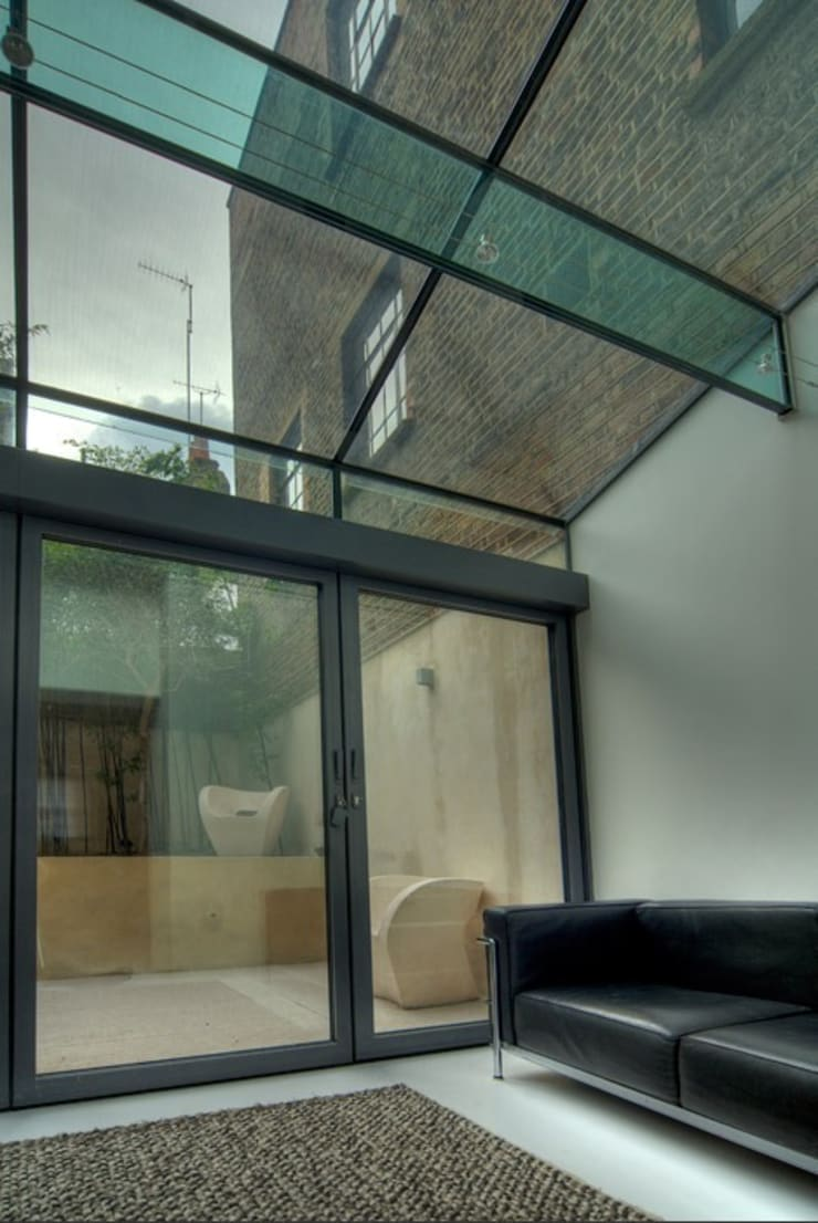 Marylebone Family House:  Conservatory by Peter Bell Architects