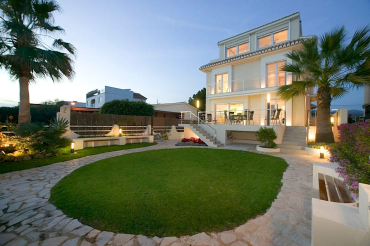 Casa en Malaga: Casas de estilo  de Artemark Global