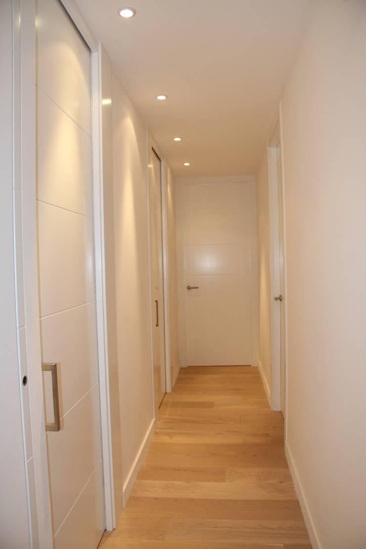 Puertas de interior: Vestíbulos, pasillos y escaleras de estilo  de info3621