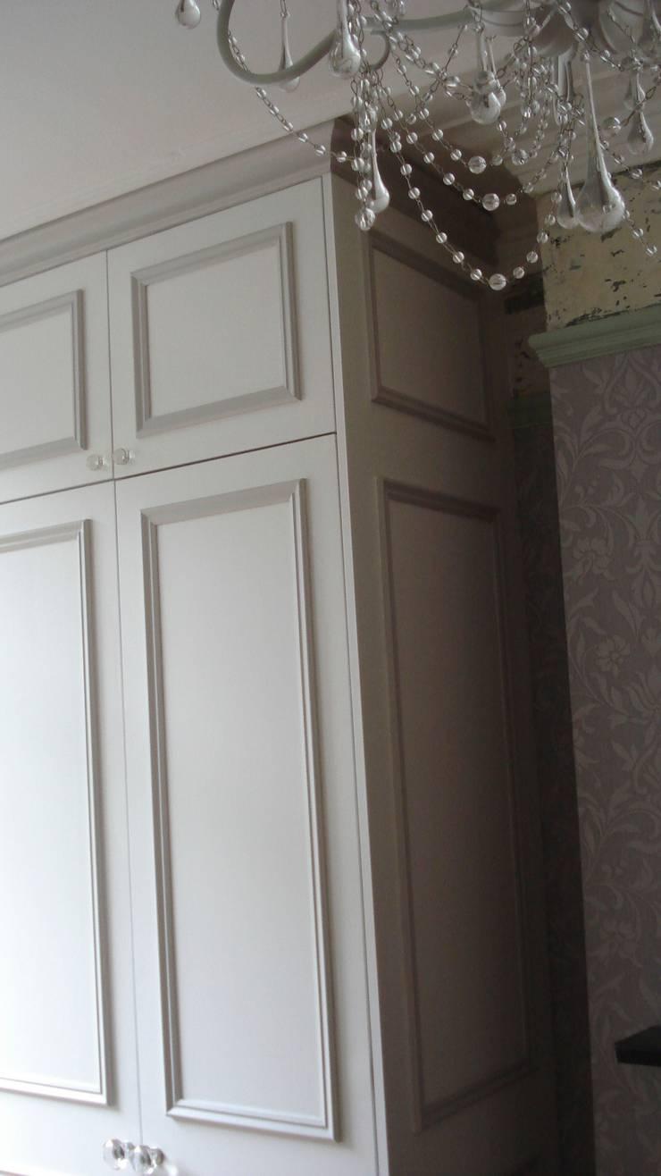wardrobe:  Bedroom by woodstylelondon