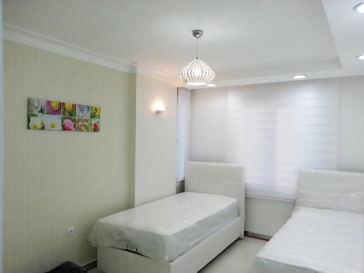 Emre Urasoğlu İç Mimarlık Tasarım Ltd.Şti. – Beyaz Ev - Mersin Çeşmeli Yazlık Projesi:  tarz Yatak Odası