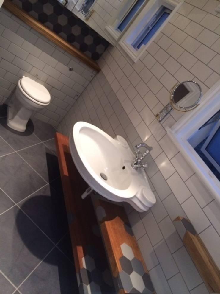 Bathroom floating shelves ,:  Bathroom by woodstylelondon