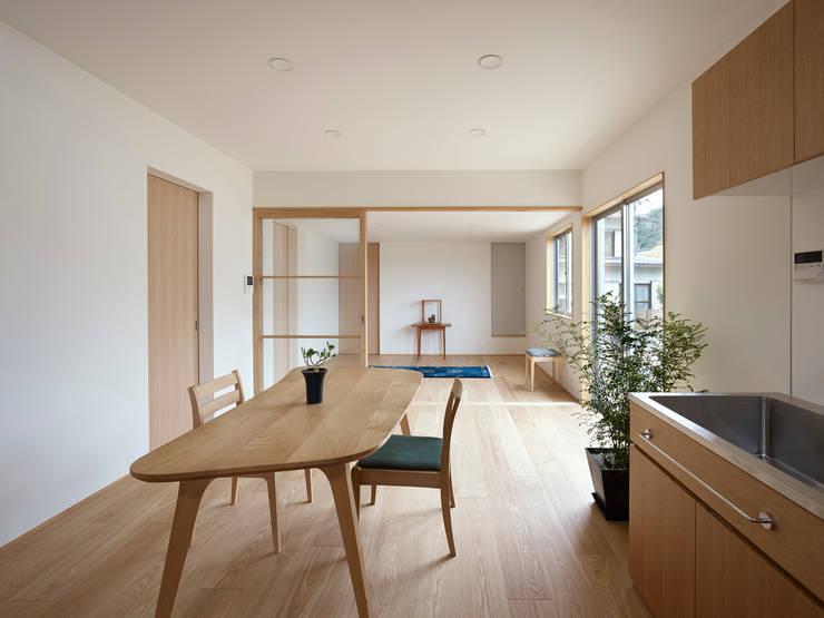 三滝の家: HANKURA Designが手掛けたダイニングです。,オリジナル